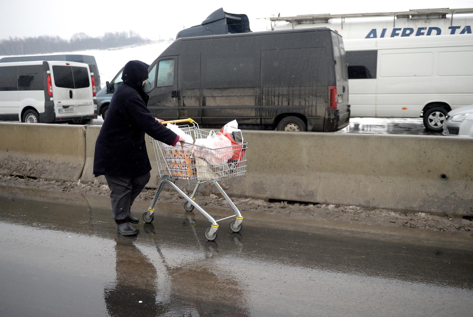 Polsko-ukraińska granica w Medyce, na której przed świętami ruch jest większy niż zwykle.