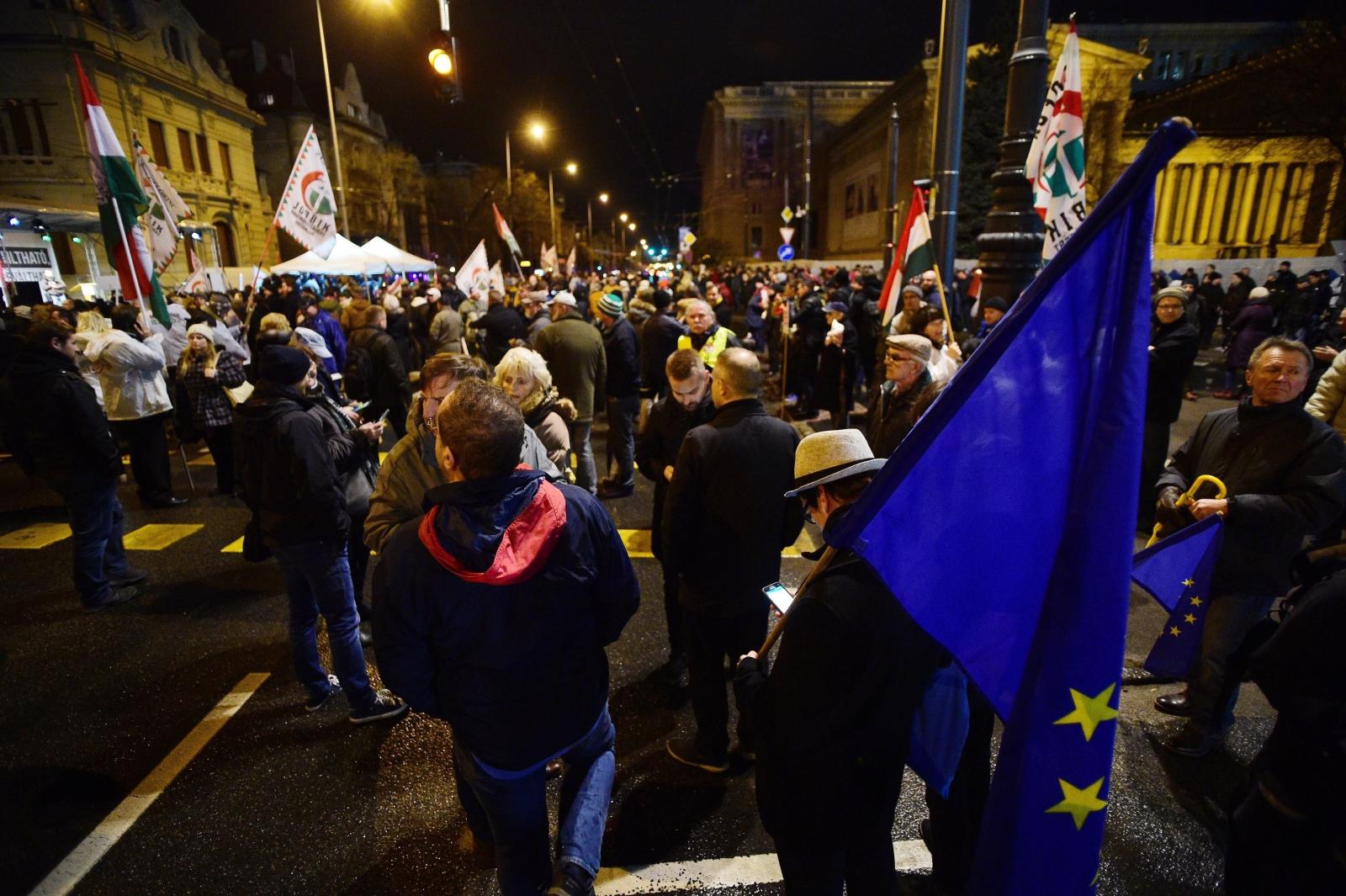 Antyrządowe protesty na Węgrzech. fot. EPA/Zoltan Balogh