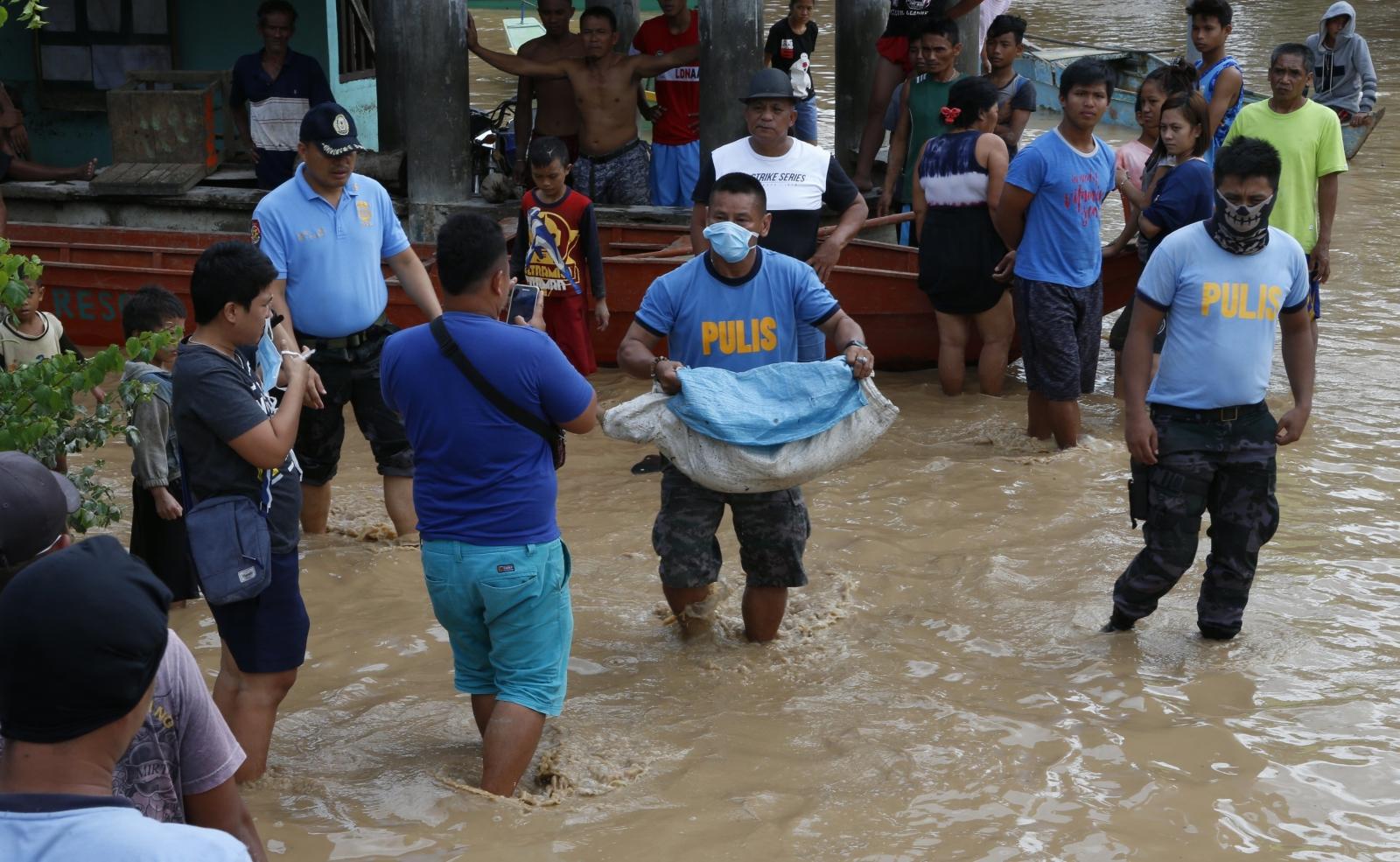 Wielka powódź na Filipinach, której żniwo sięga już 133 ofiar.