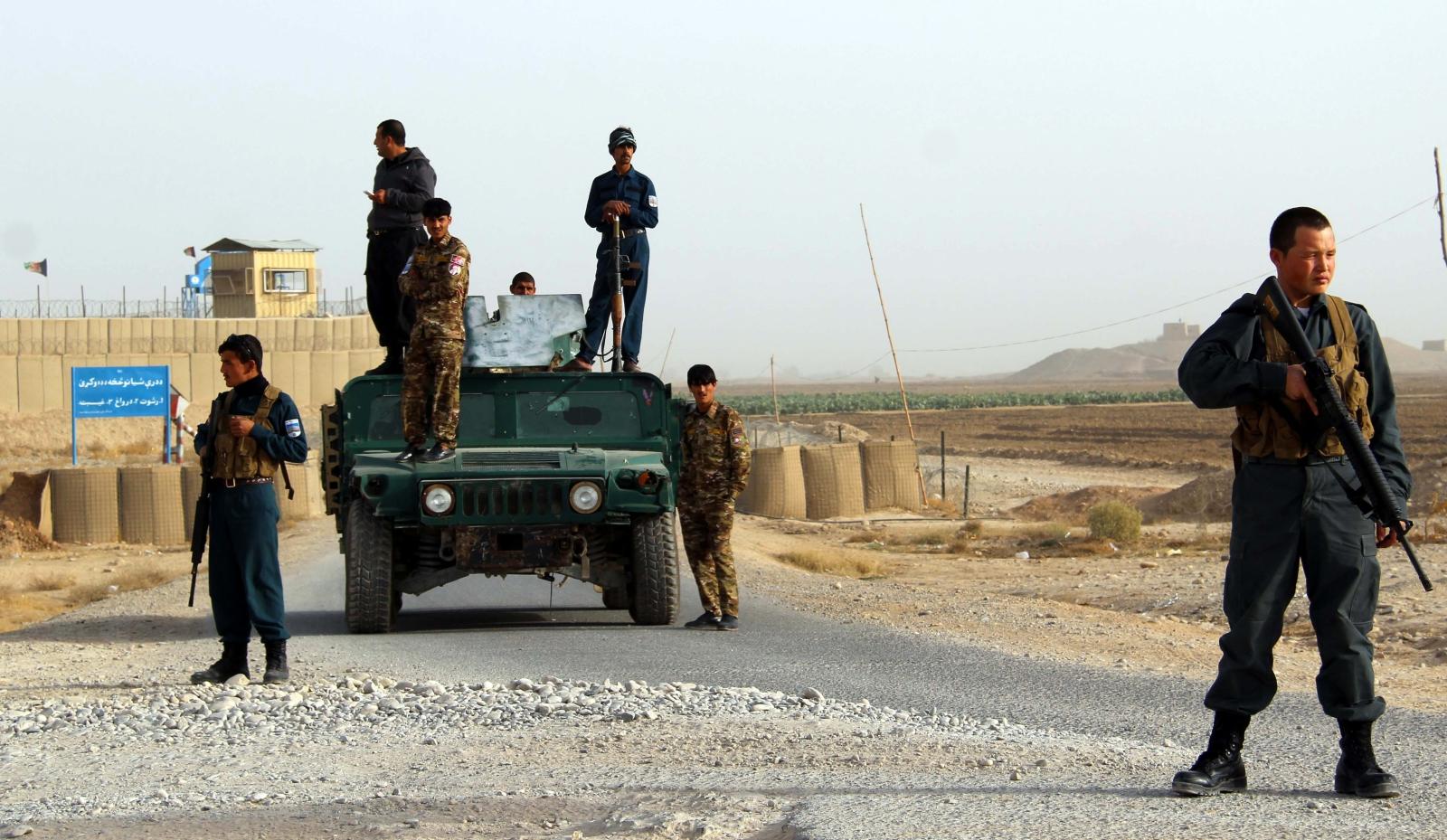 Afganistan. Wybuch samochodu pułapki. fot. EPA/WATAN YAR