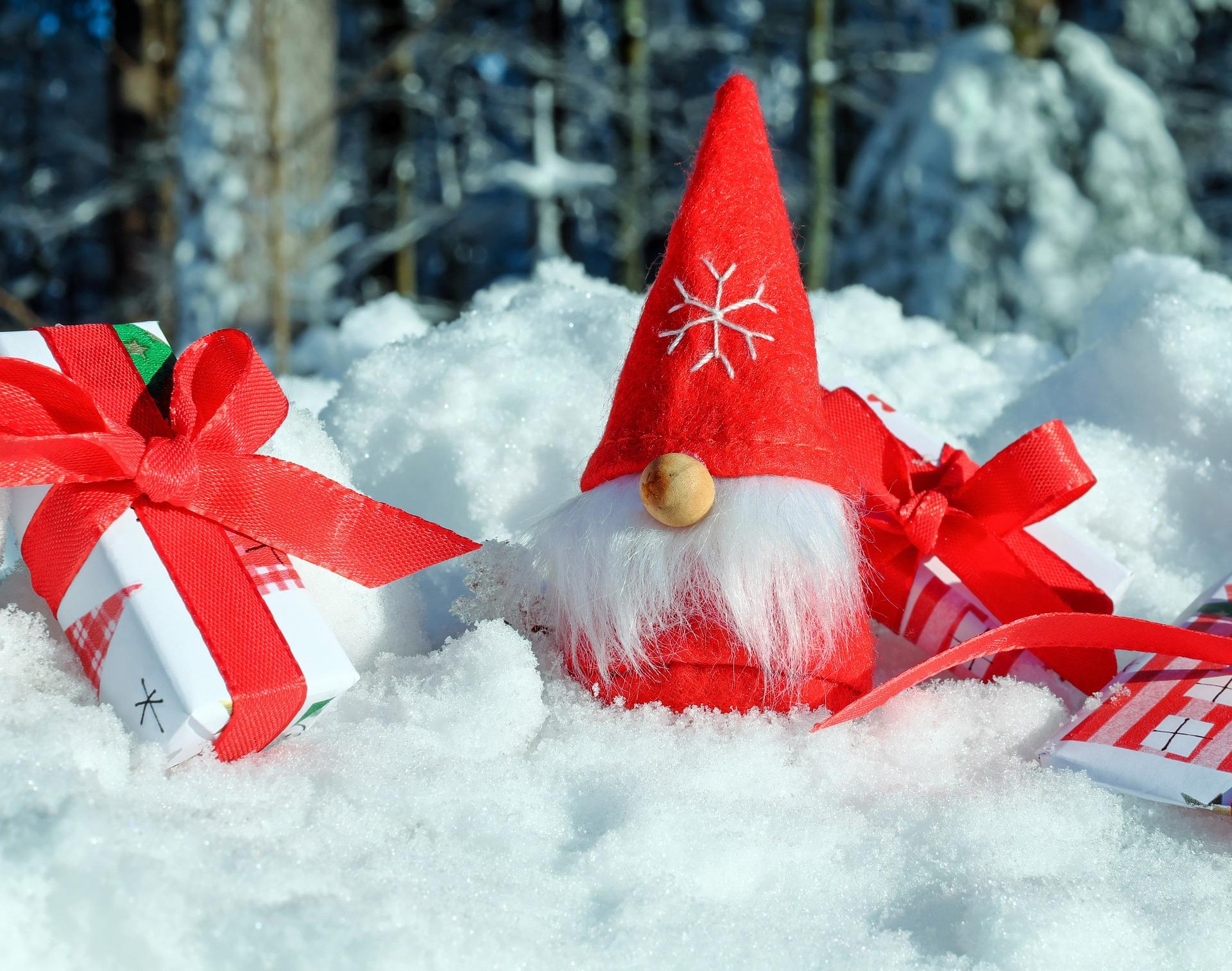 <p>Boże Narodzenie wydaje się być świętowanie podobnie w całej Europie, ale nic bardziej mylnego. O innych kontynentach nie wspominając. Pewnie znasz niektóre z tych faktów z telewizji czy książek. Myślimy jednak, że uda nam się Ciebie zaskoczyć niejednym!</p>