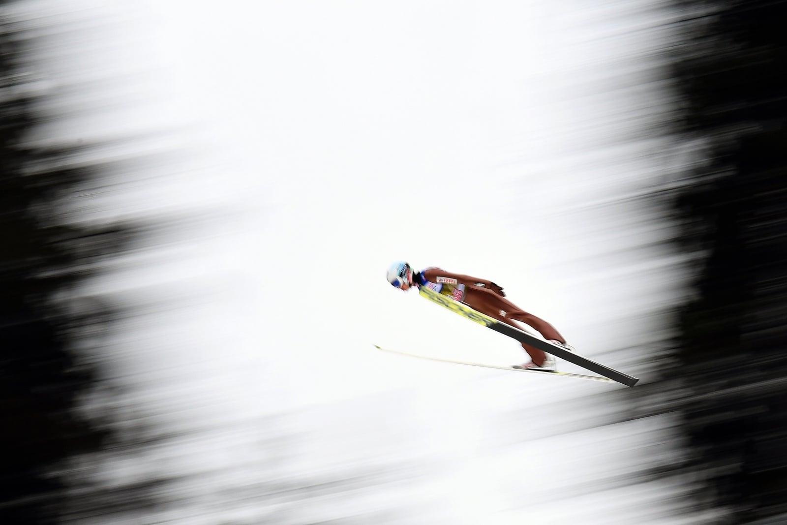 Kamil Stoch podczas treningu na skoczni w Innsbrucku EPA/CHRISTIAN BRUNA