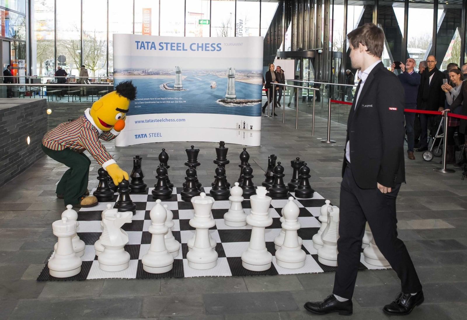 Towarzyski mecz szachowy w Hilversum w Holandii, fot. EPA/KOEN SUYK