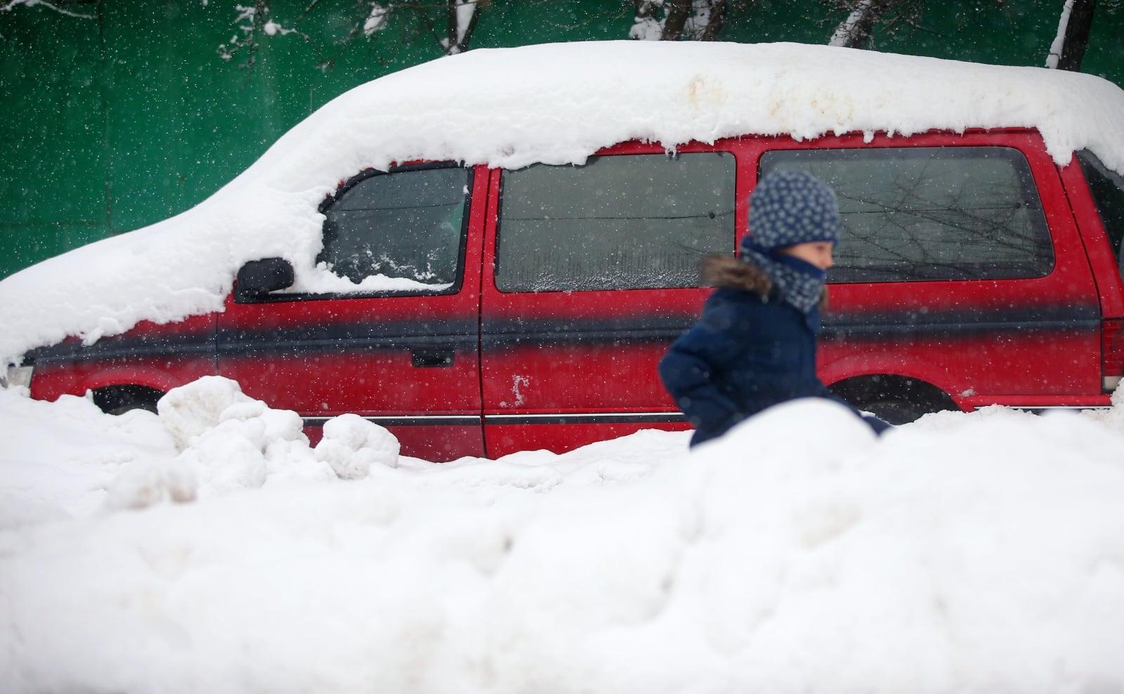 Zima w Moskwie EPA/MAXIM SHIPENKOV