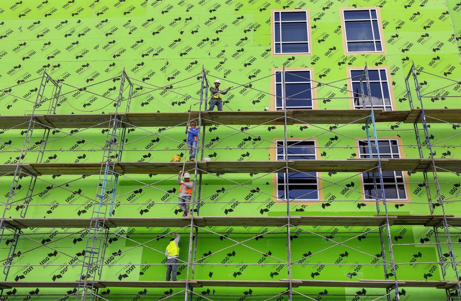 Robocza fasada remontowanego budynku, Decatur, USA.
