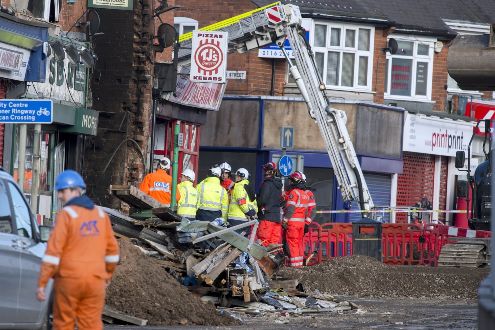 Wybuch w Hinckley Road Leicester w Wielkiej Brytanii, podczas którego zginęło 5 osób, fot. EPA/WILL OLIVER