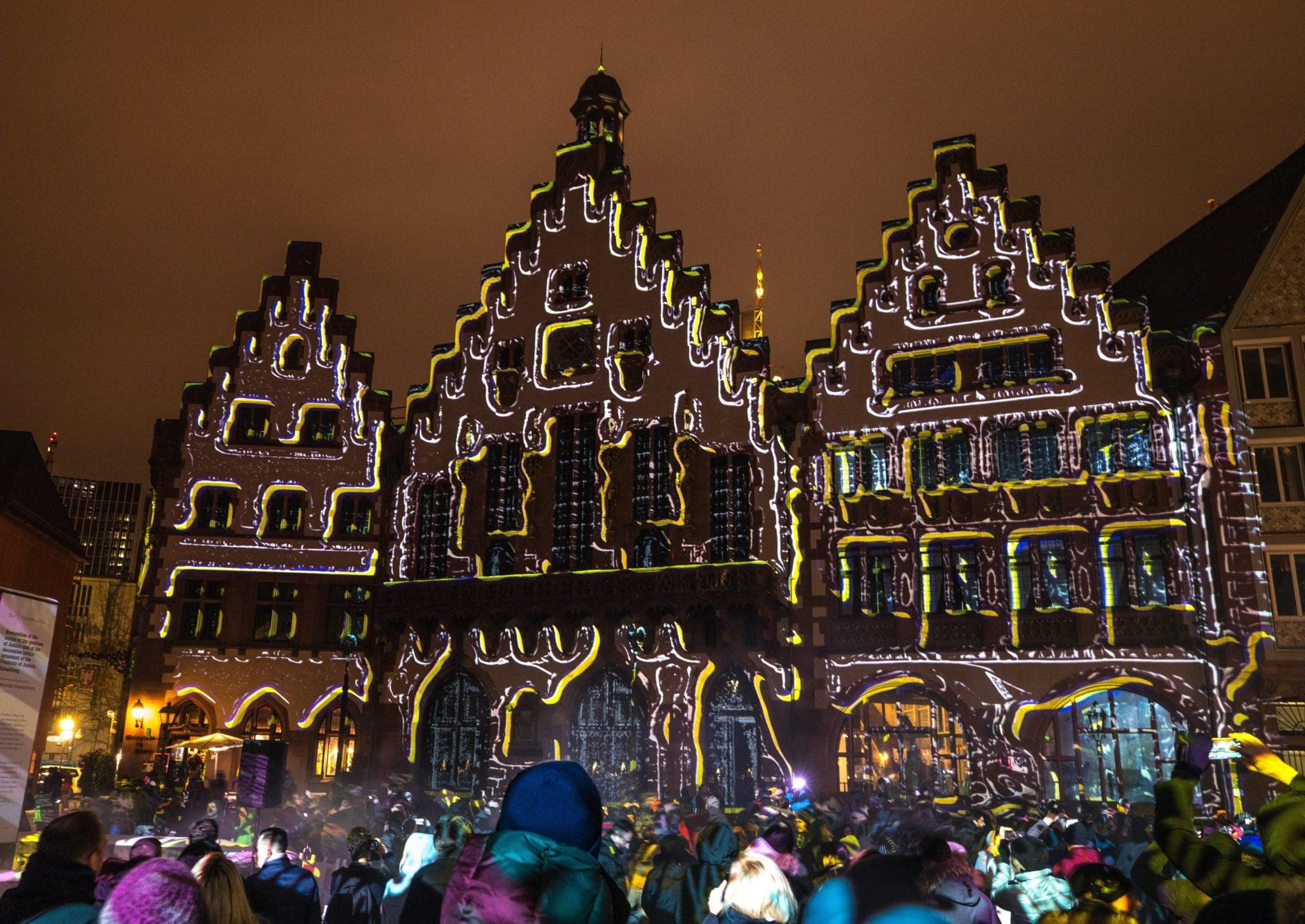 Frankfurt Nad Menem, nstalacja świetlna autorstwa Philippa Geista, fot: Armando Babani, PAP/EPA