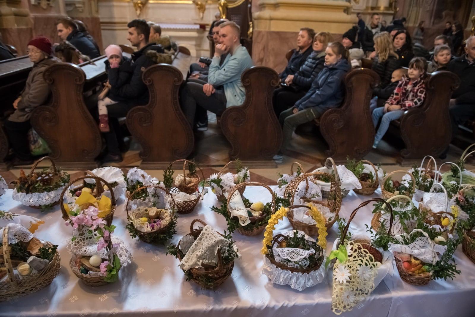 Święcenie pokarmów w Lublinie fot. PAP/Wojciech Pacewicz