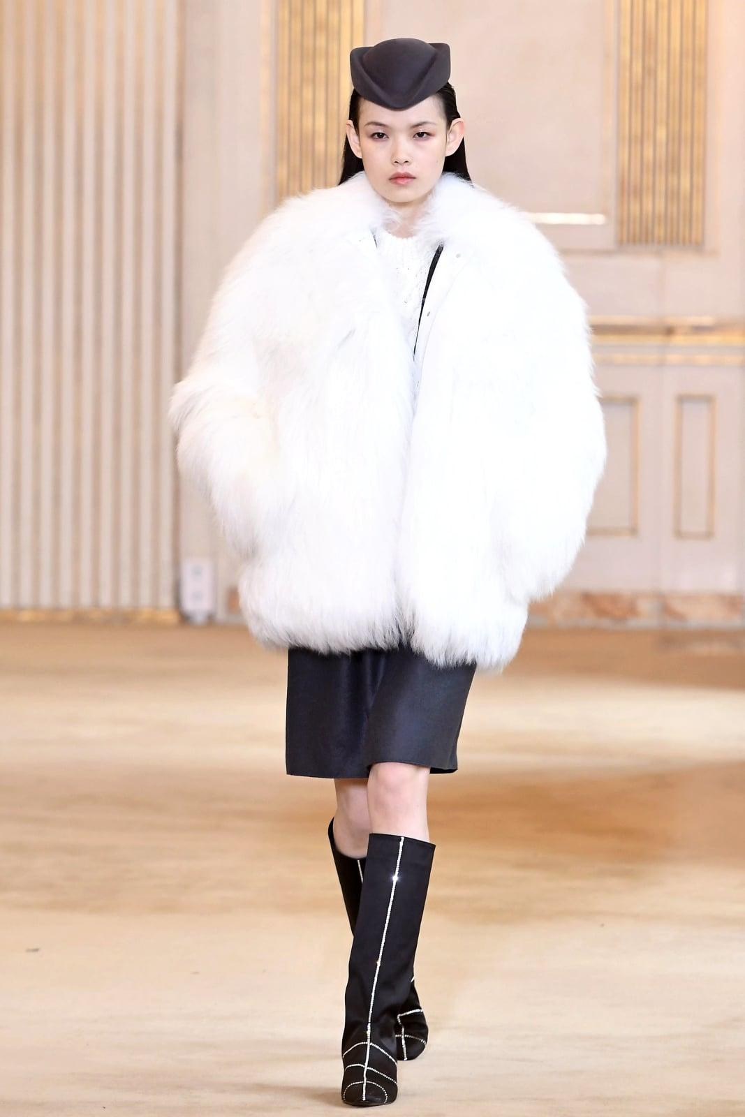 Paris Fashion Week   EPA/CHRISTOPHE PETIT TESSON