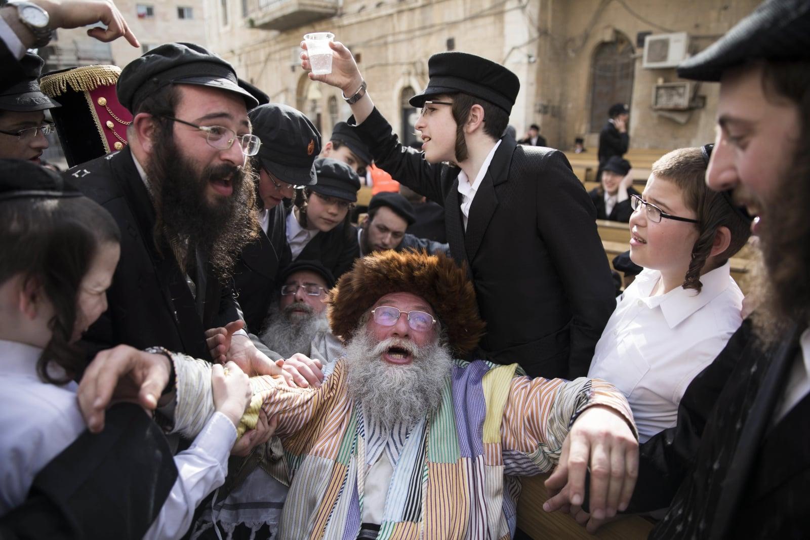 Izrael - święto Purim   EPA/ABIR SULTAN