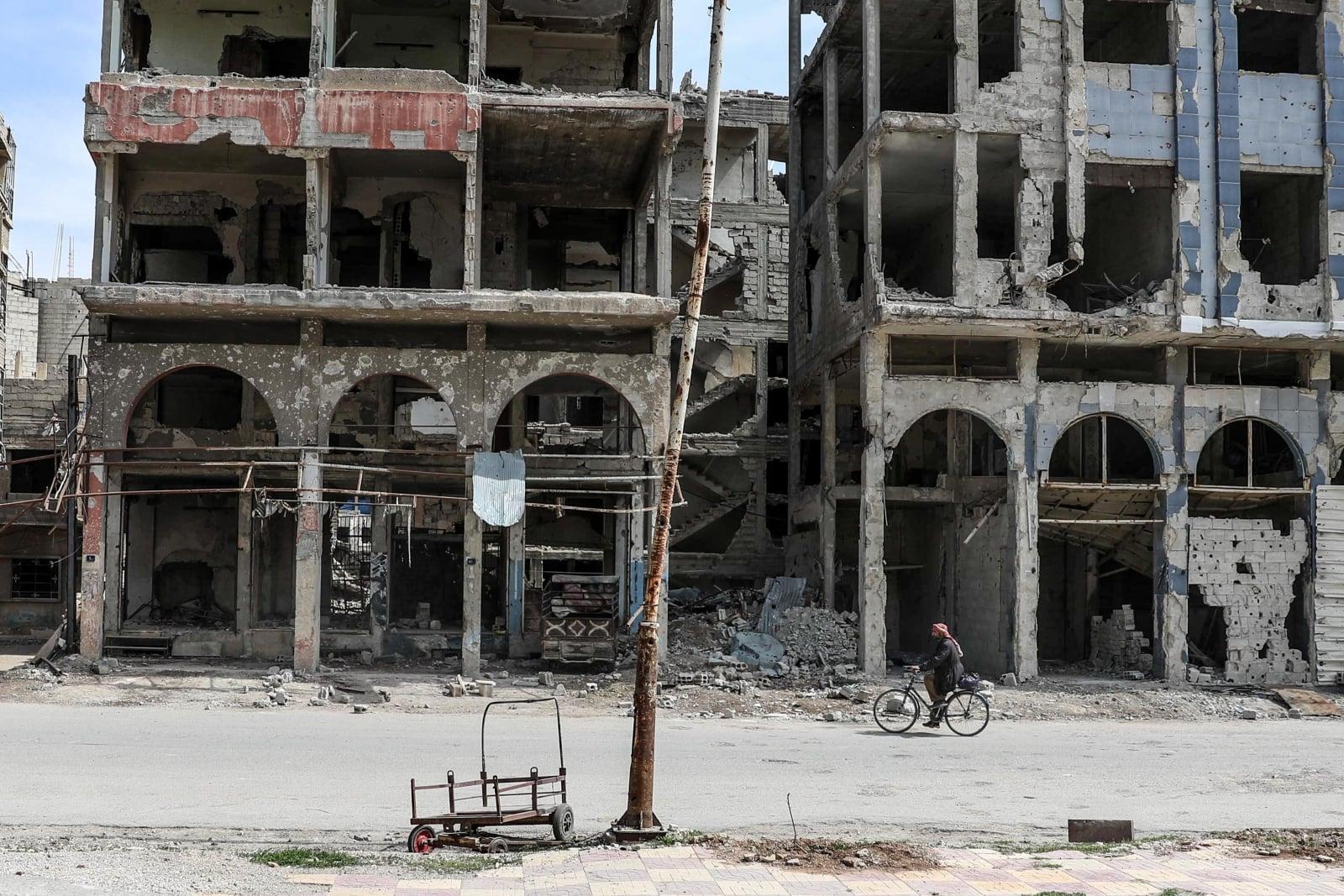 Zniszczone budynki w mieście Duma, Syria, fot.  Mohammed Badra, EPA