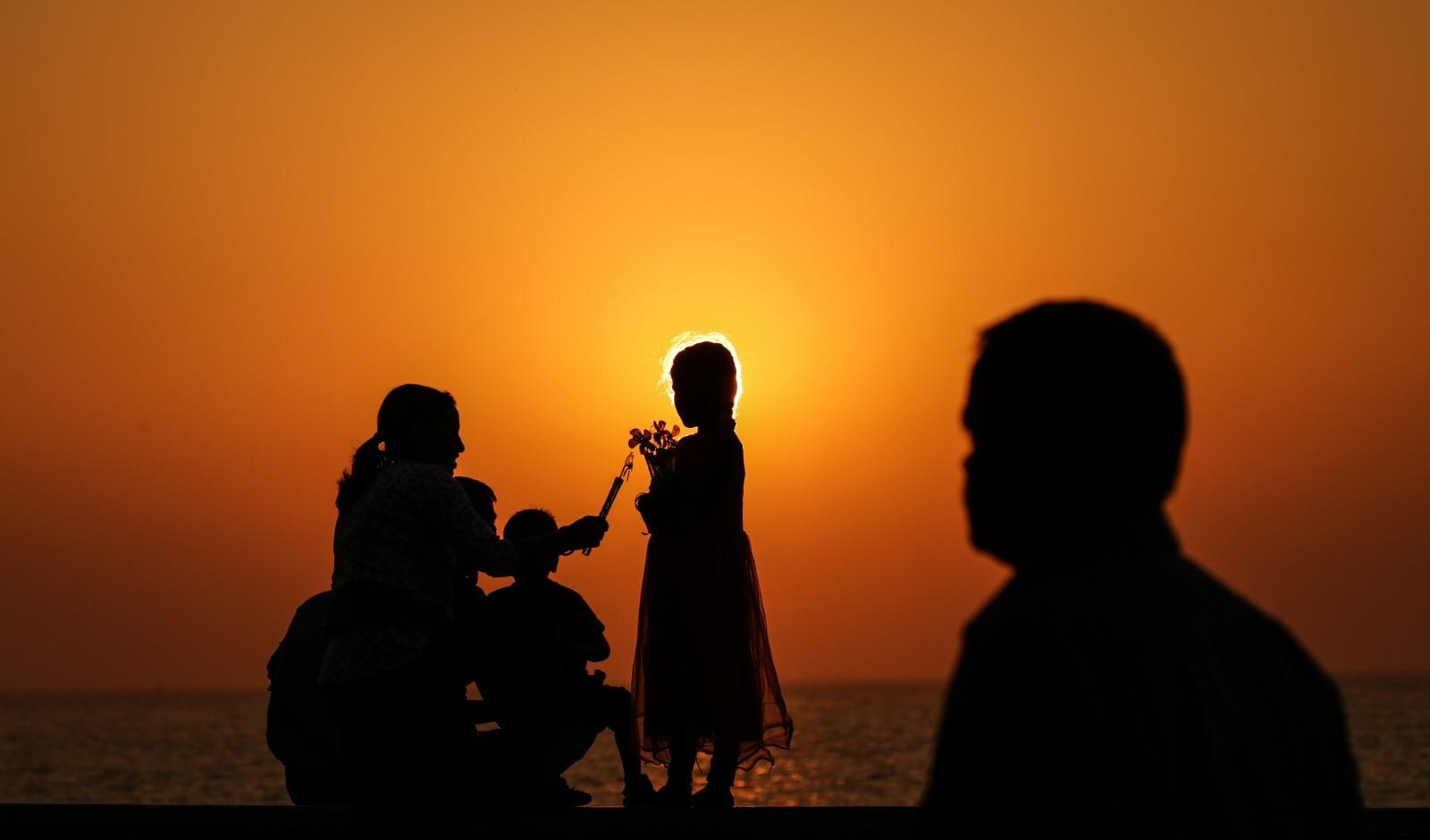 Życie codzienne w Indiach fot. EPA/DIVYAKANT SOLANKI