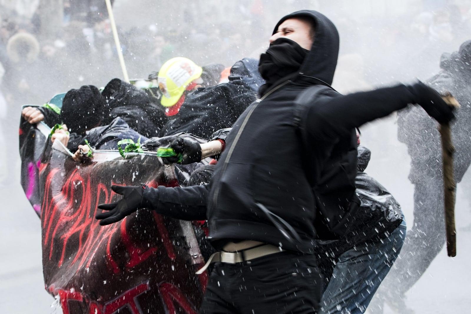 Francuscy protestujący fot. EPA/ETIENNE LAURENT