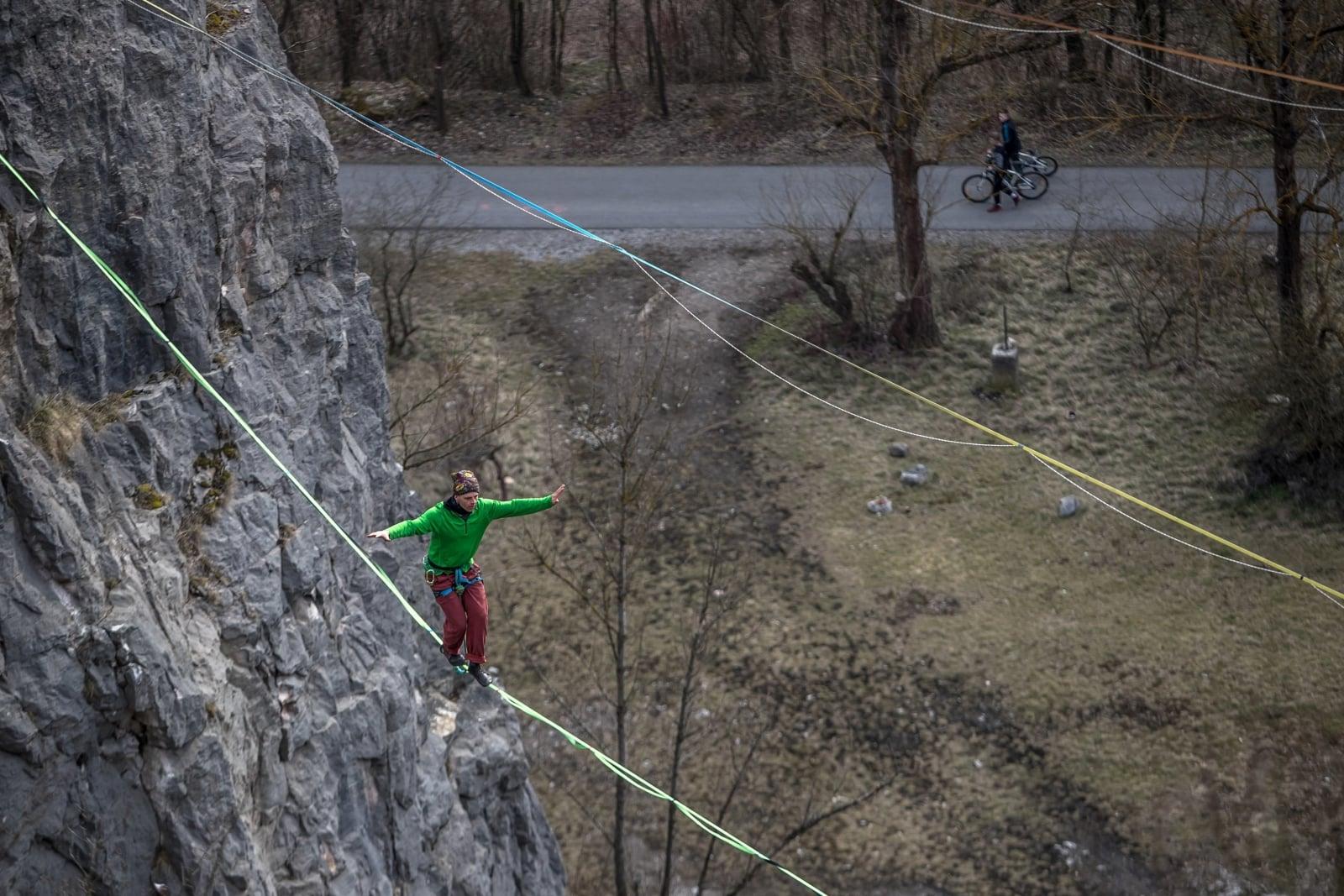 W Czeskiej wiosce Srbsko, odbył się dzisiaj pokaz chodzenia po linie