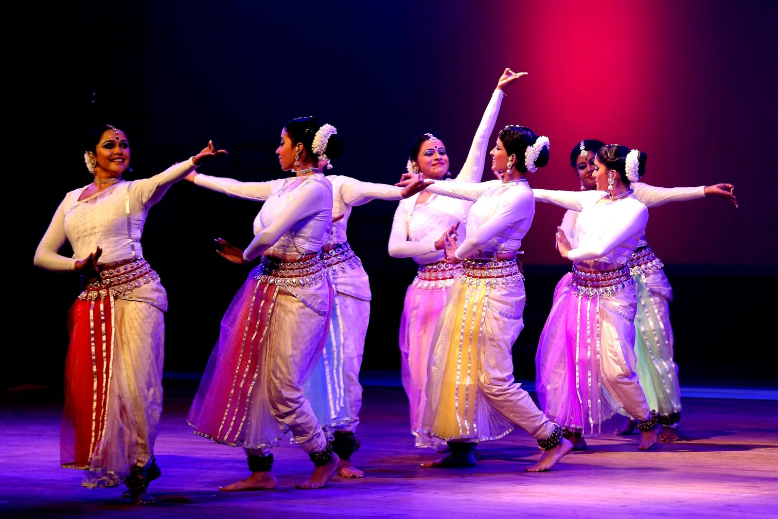 Indyjski taniec fot. EPA/JAGADEESH NV