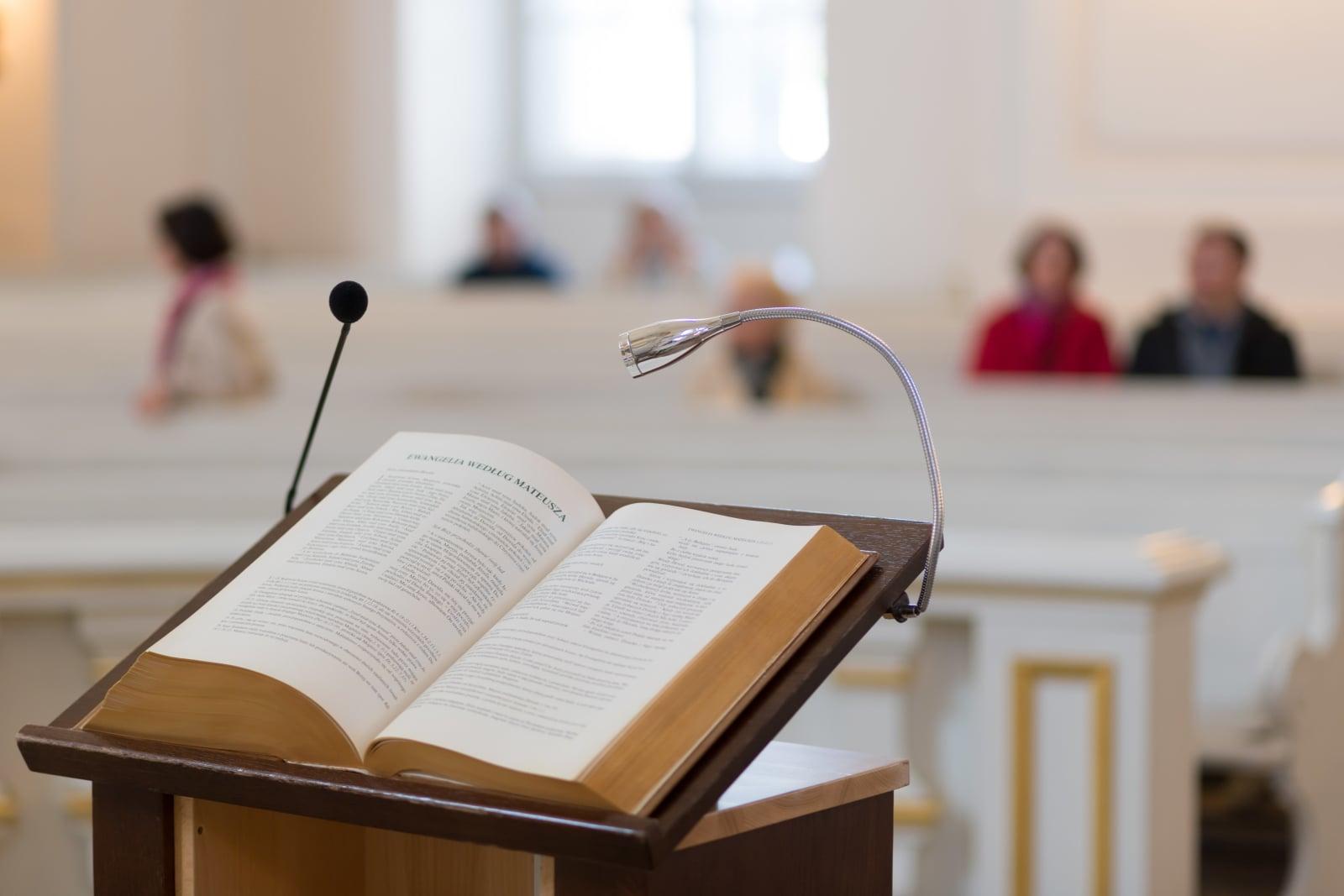 W parafii pod wezwaniem Wszystkich ŒŚwiętych w Poznaniu rozpoczął się XIV Maraton Biblijny archidiecezji poznańskiej, fot. PAP/Jakub Kaczmarczyk