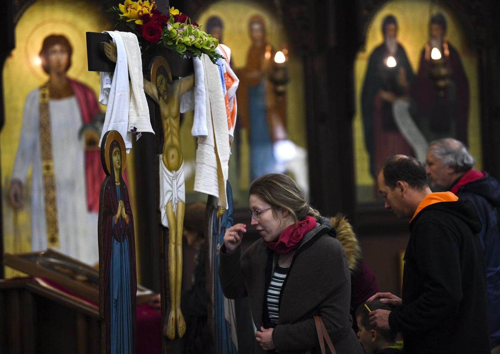 Wielki Piątek w Kościołach Wschodnich   EPA/GEORGI LICOVSKI