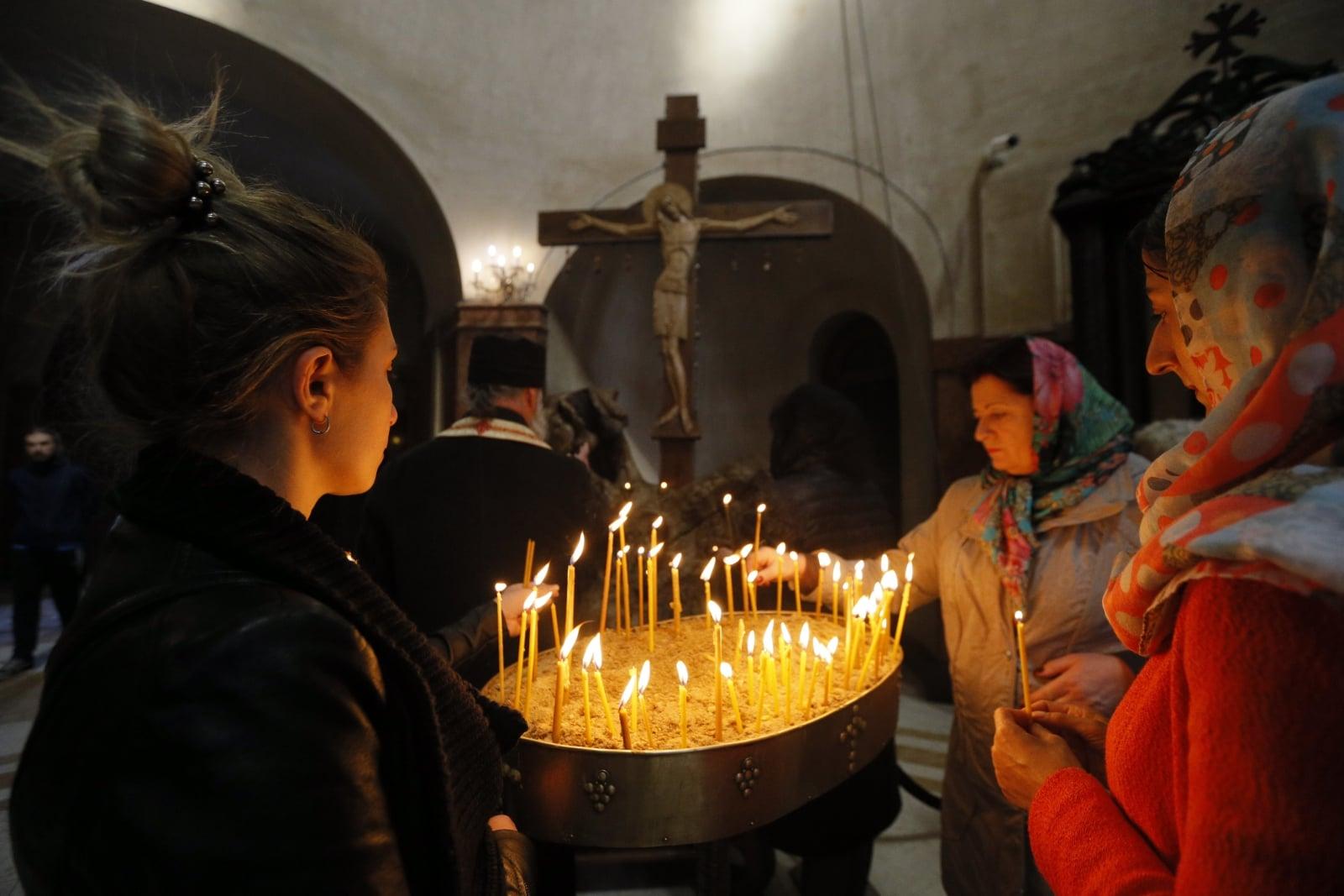 Wielki Piątek w Kościołach Wschodnich    EPA/ZURAB KURTSIKIDZE