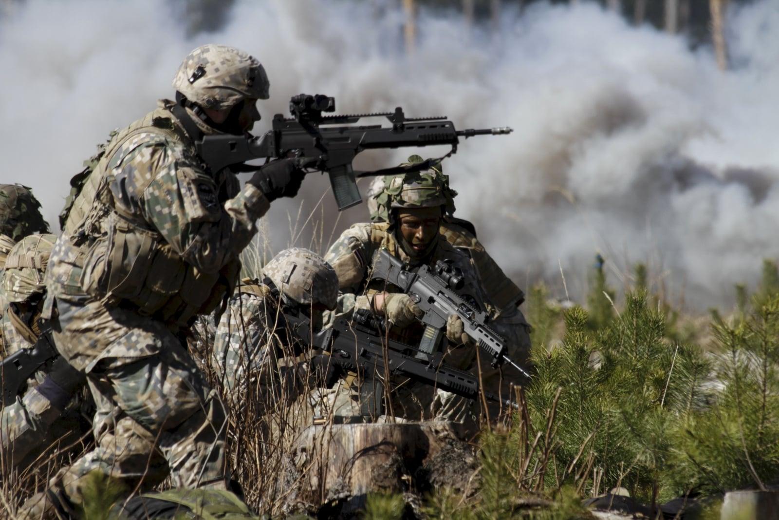 Litewscy żołnierze w trakcie ćwiczeń w Daugavpils, Litwa.