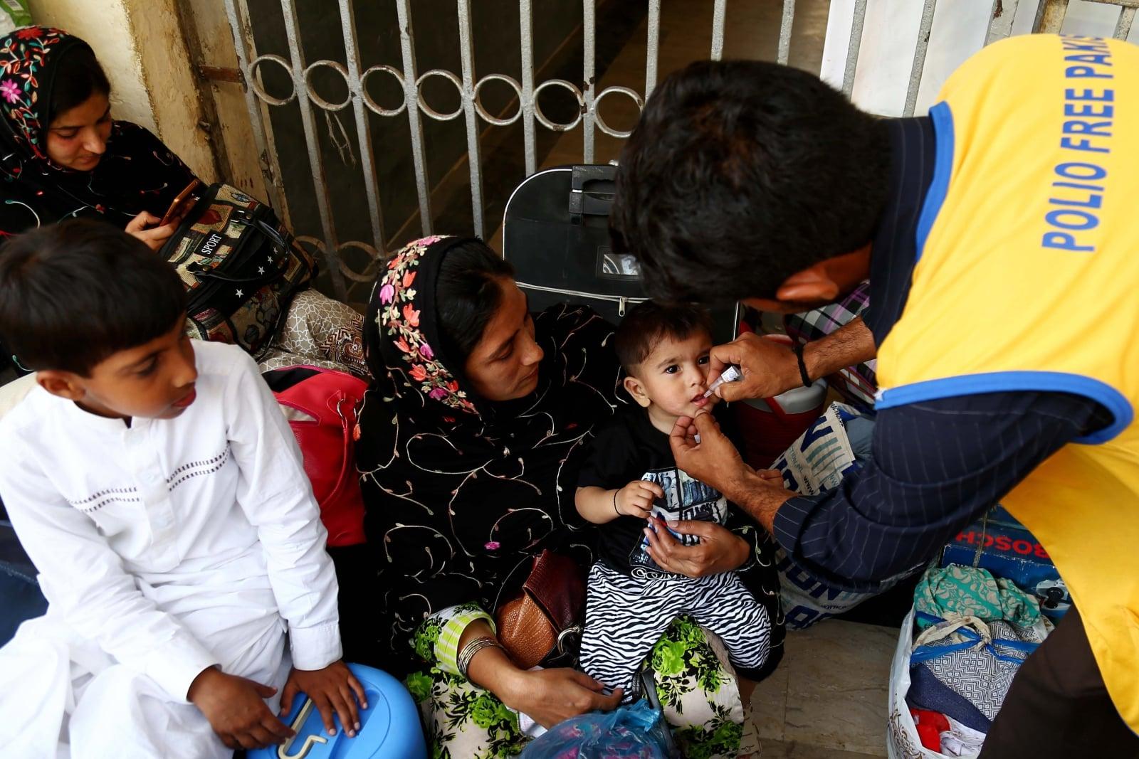 Szczepienie dzieci przeciwko Polio, w Afganistanie