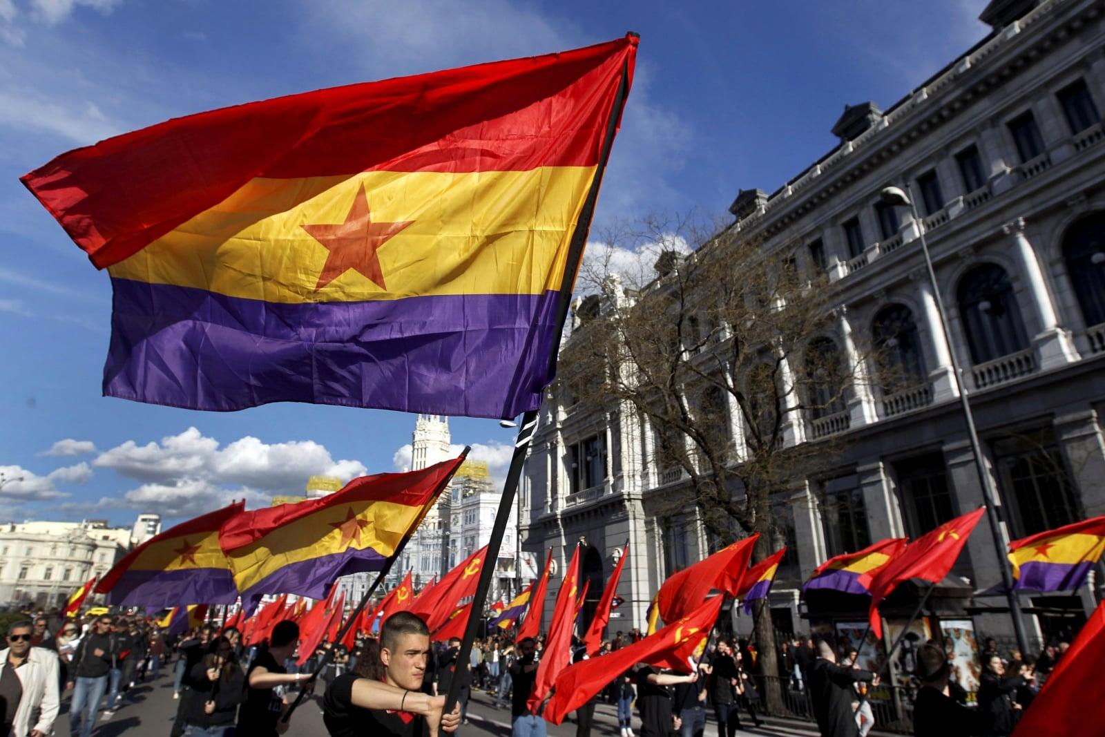 Obchody ogłoszenia II Republiki Hiszpanii fot. EPA/Paolo Aguilar