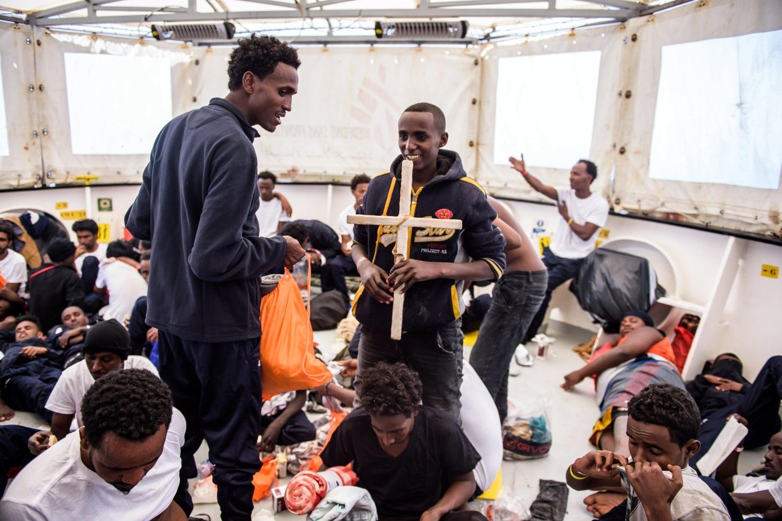 Uchodźcy nad Morzem Śródziemnym EPA/CHRISTOPHE PETIT TESSON