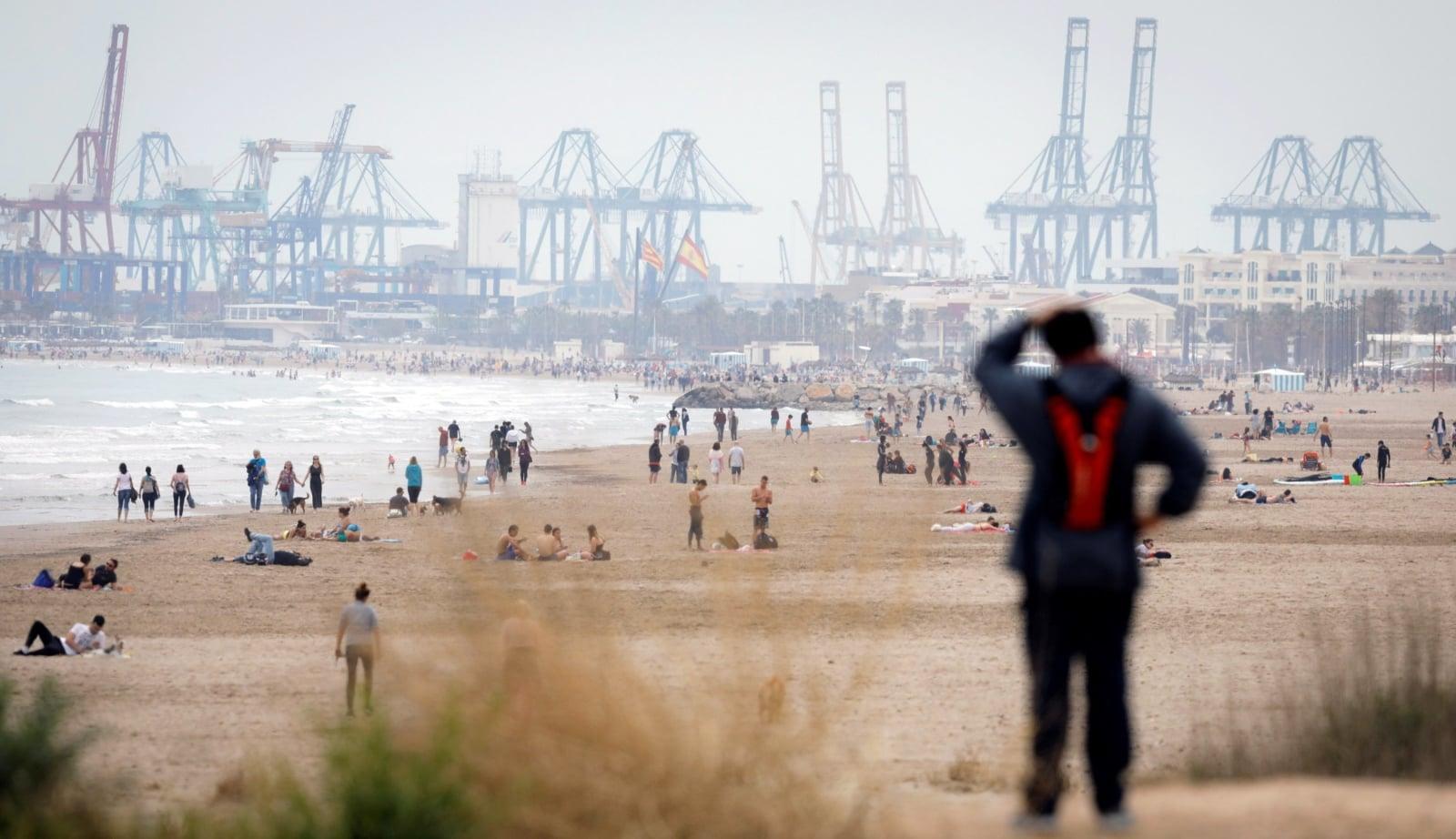Pogoda w Hiszpanii fot. EPA/KAI FOERSTERLING