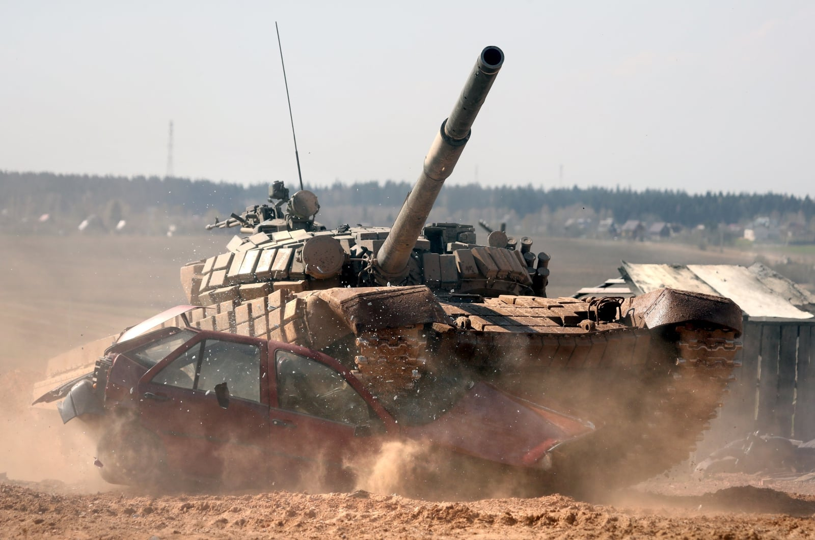 Biatlon czołgów na Białorusi fot. EPA/TATYANA ZENKOVICH