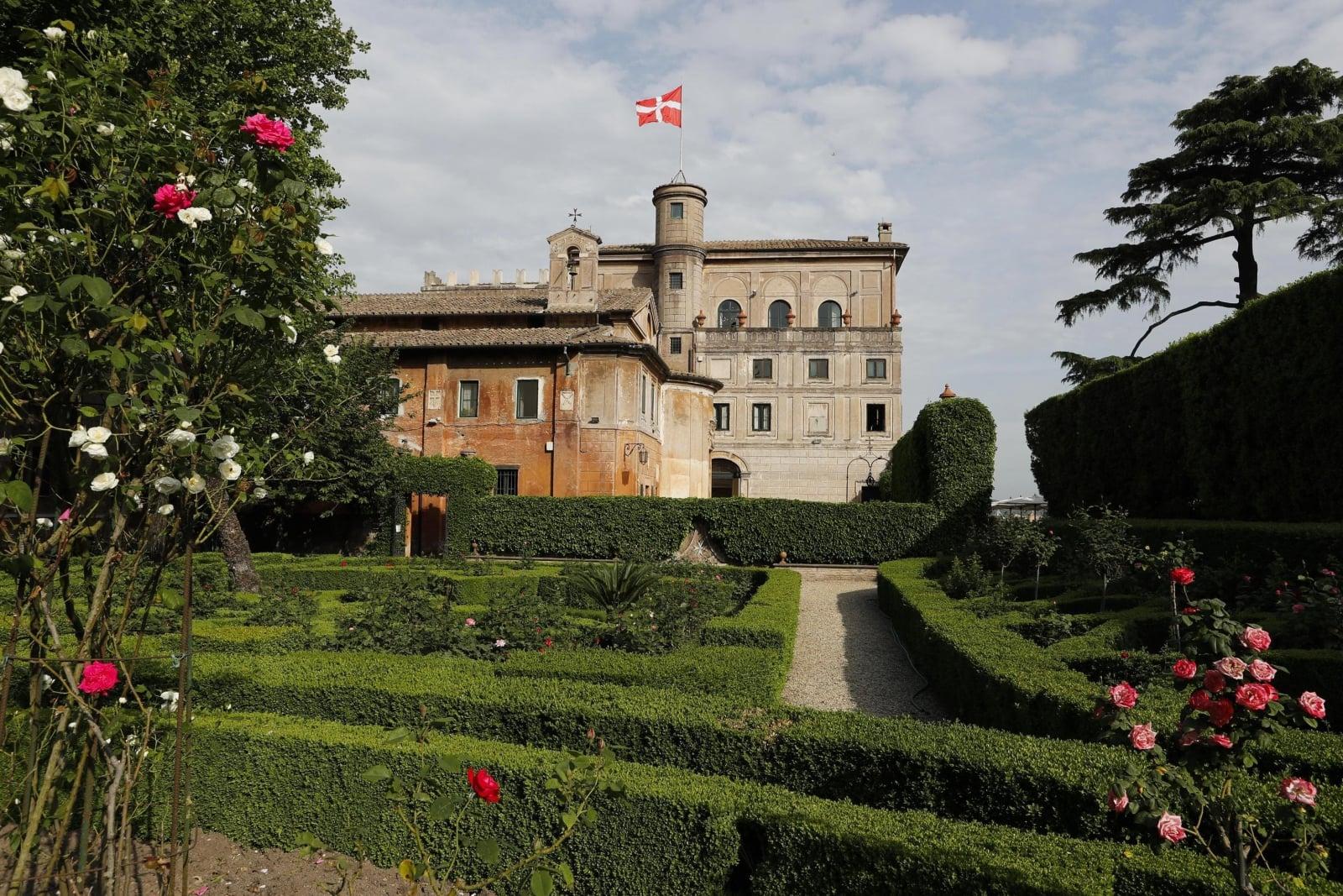 Zamek należący do Zakonu Maltańskiego w Rzymie.
