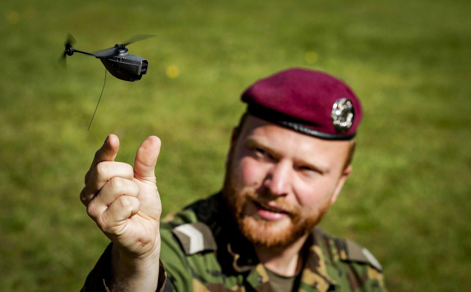 Malutkie drony na służbie w holenderskiej armii.