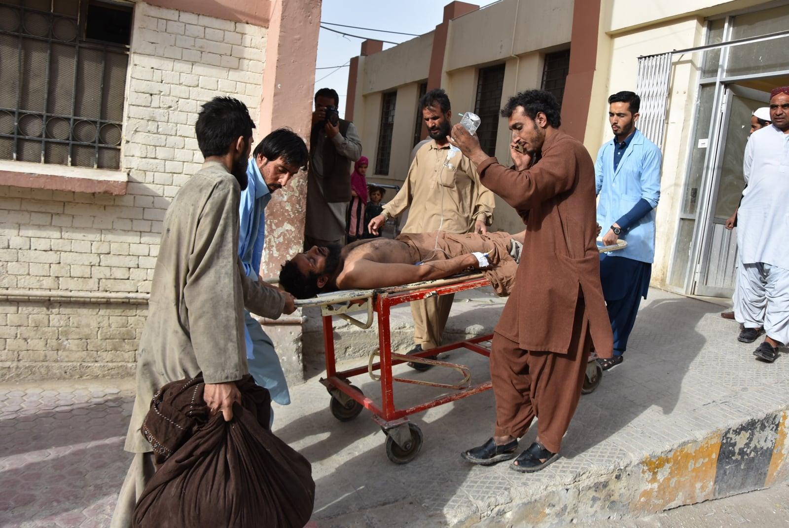 Wybuch w pakistańskiej kopalni fot. EPA/JAMAL TARAQAI