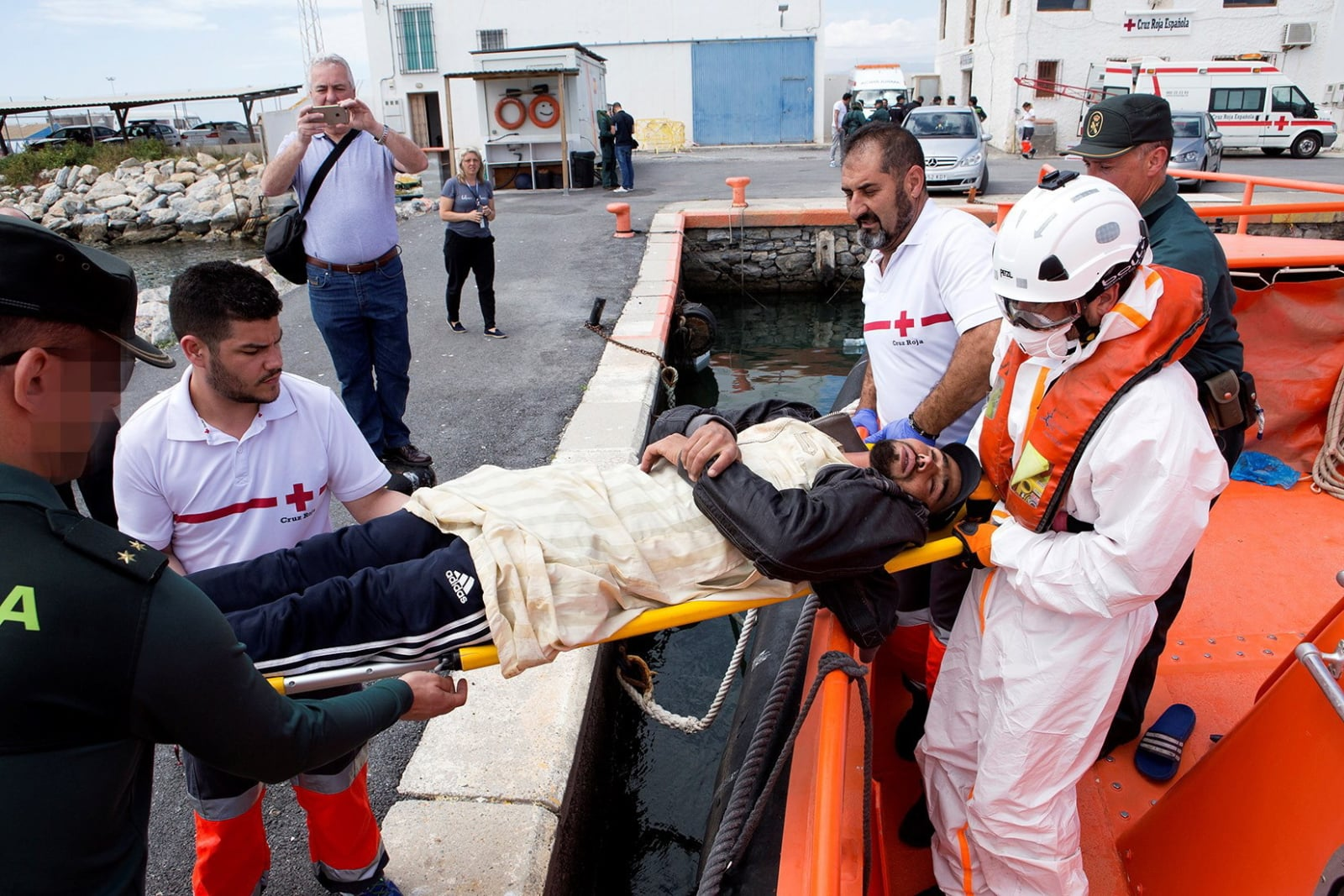 Migranci w Hiszpanii fot. EPA/MIGUEL PAQUET