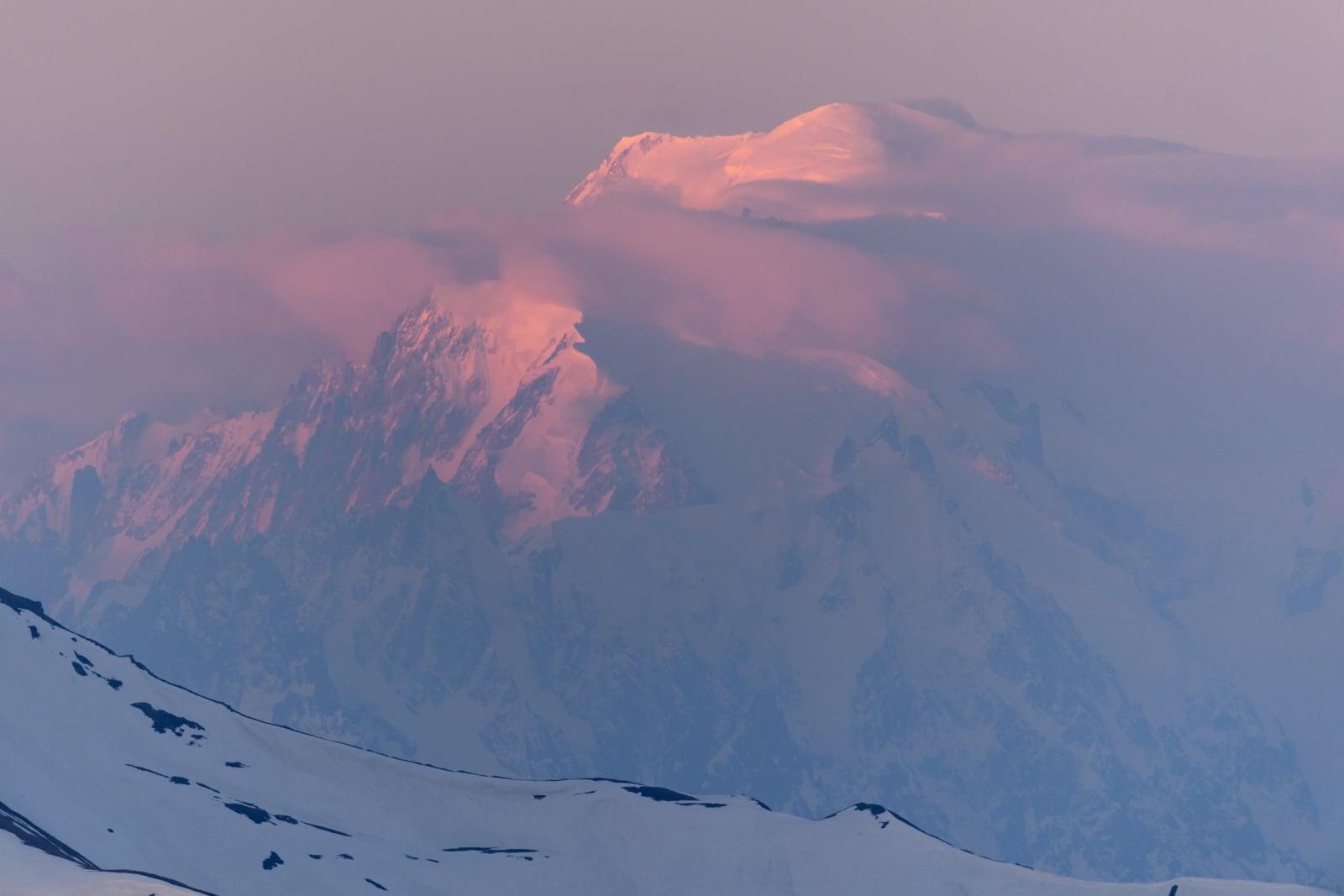 Wschód słońca na masywie Mont Blanc, Szwajcaria, fot. EPA/ANTHONY ANEX