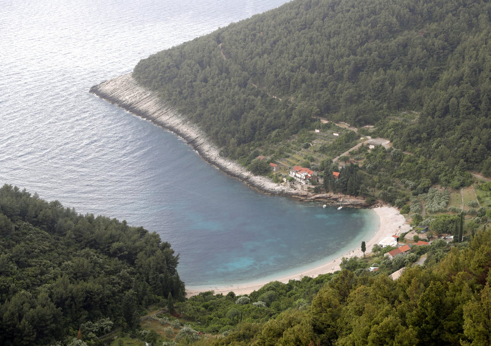 Chorwacka wyspa - Krocula fot. EPA/ANTONIO BAT