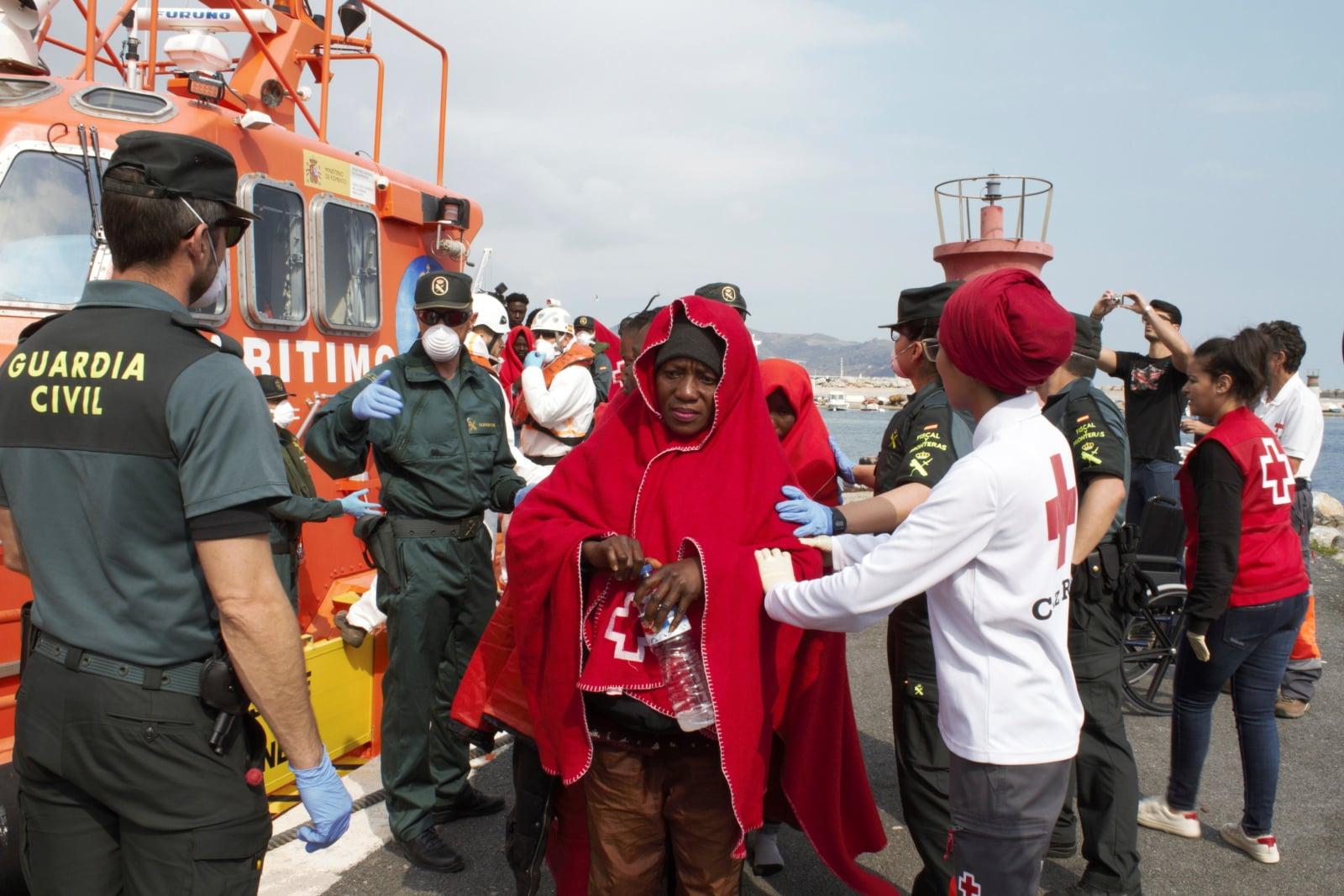 Migranci w Hiszpanii fot. EPA/Alba Feixas