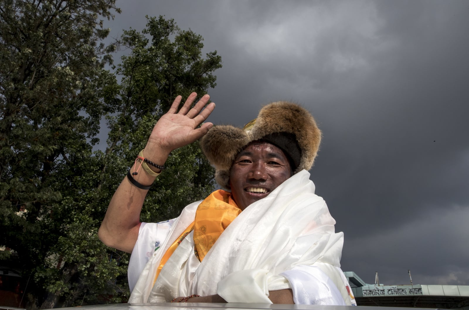 Nepalski weteran górski Kami Rita Sherpa wspiął się 22 razy na Mount Everest, ustanawiając nowy rekord świata, fot. EPA/NARENDRA SHRESTHA
