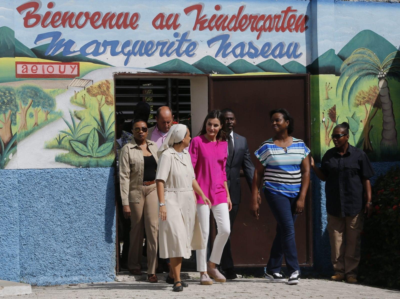 Królowa Hiszpanii z wizytą na Haiti