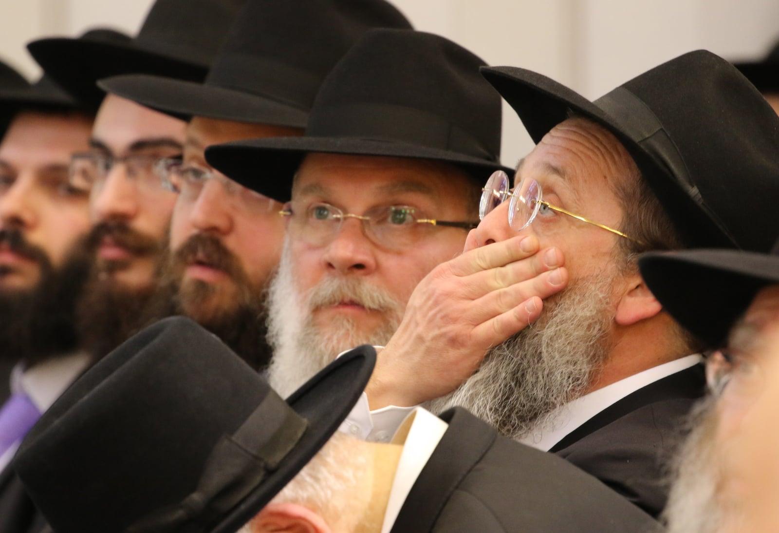 Hamburg - ceremonia wyświęcenia 5 nowych rabinów EPA/FOCKE STRANGMANN