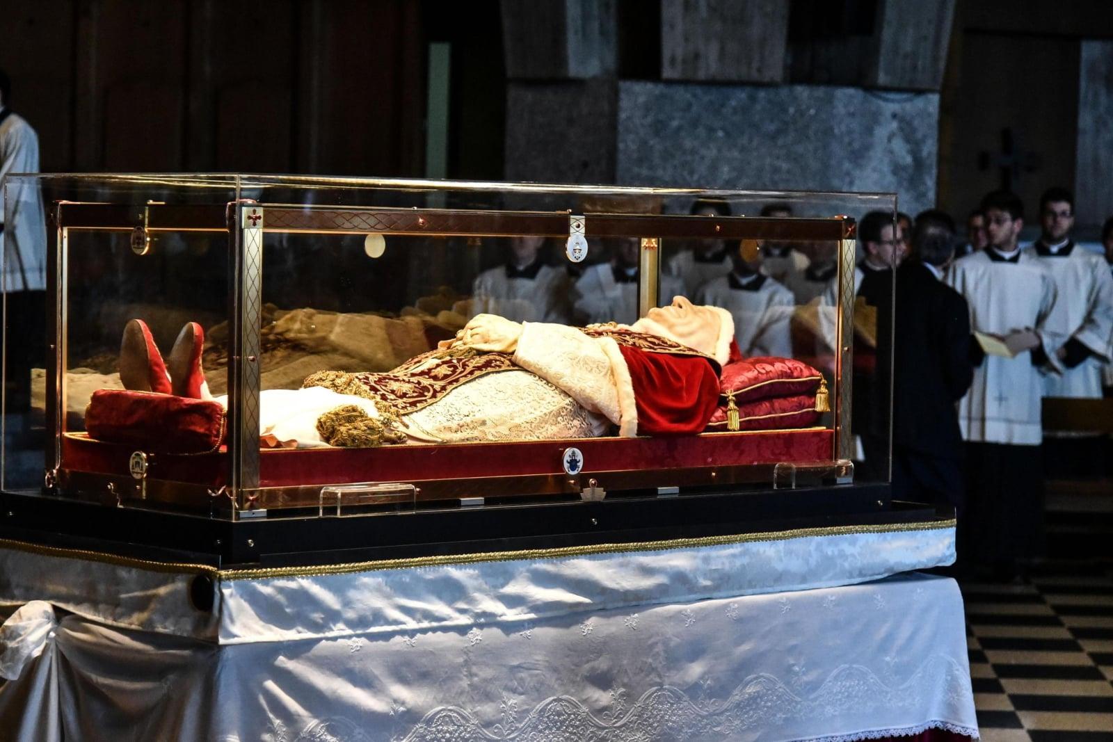 Trumna z ciałem Jana XXII w Bergamo EPA/Gianpaolo Magni