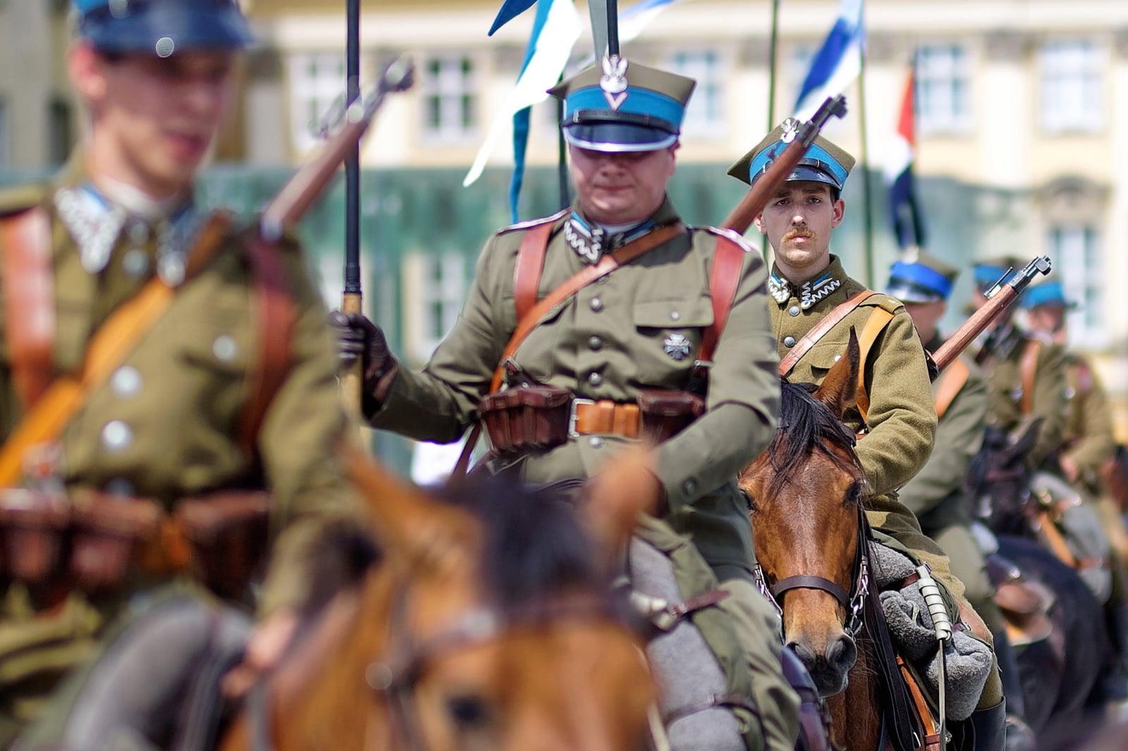 Parada 100 ułanów odbyła się, 9 bm. we Wrocławiu, w ramach obchodów 100-lecia odzyskania przed Polskę niepodległości.