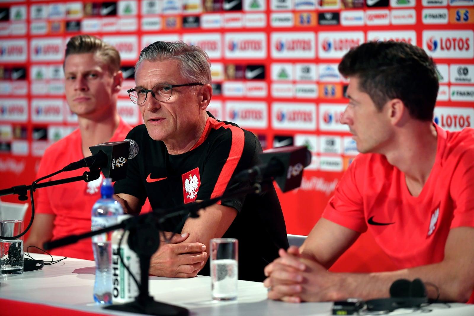 Adam Nawałka, Łukasz Piszczek  i Robert Lewandowski podczas konferencji prasowej w Soczi, Rosja, fot. PAP/Bartłomiej Zborowski