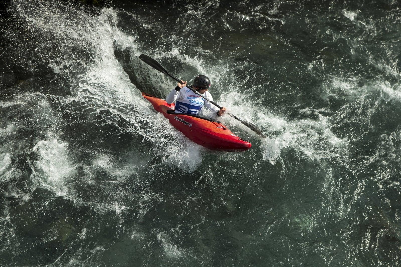 Mike Kurt na spływie w Szwajcarii.