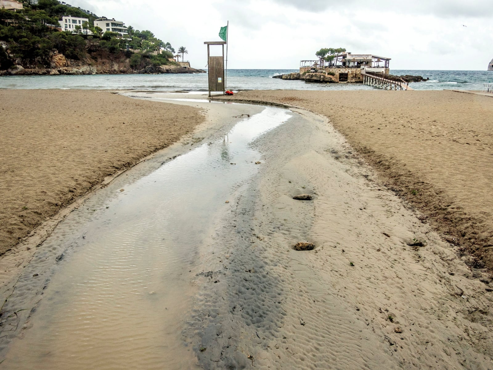 Pogoda w Hiszpanii fot. EPA/CATI CLADERA