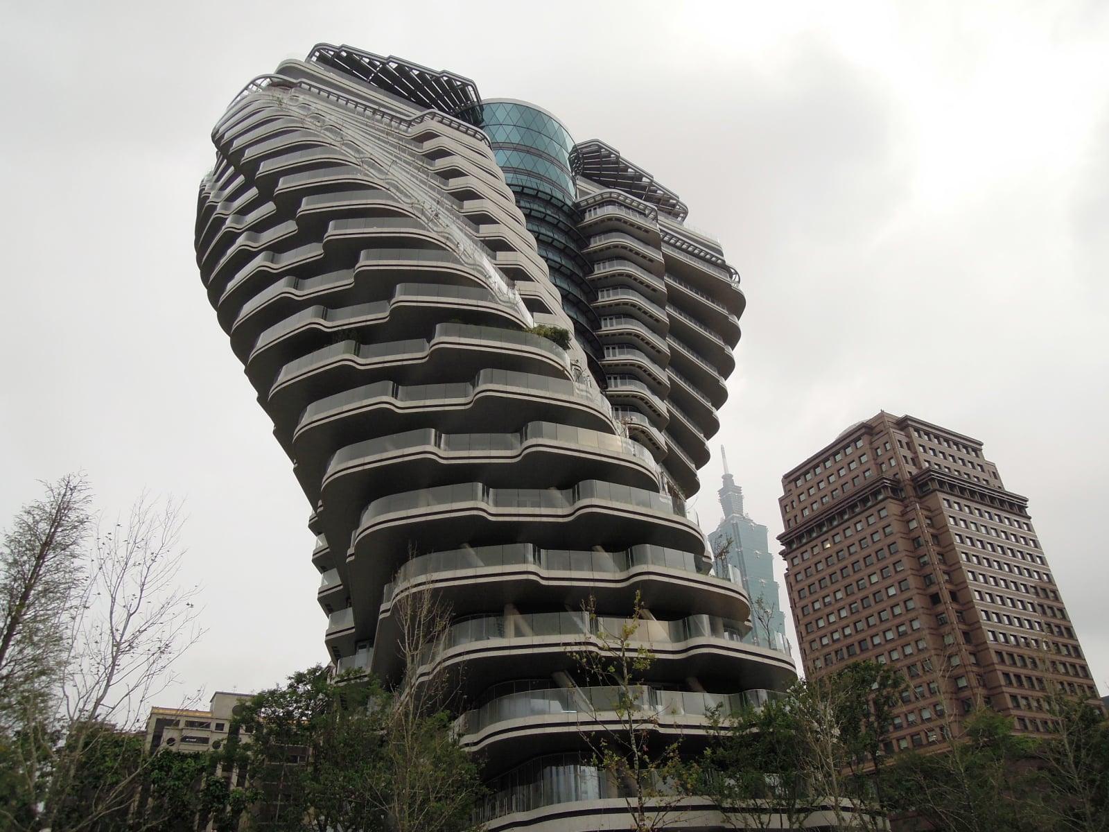 Spiralny budynek na Tajwanie fot/ EPA/HENRY LIN  Dostawca: PAP/EPA.