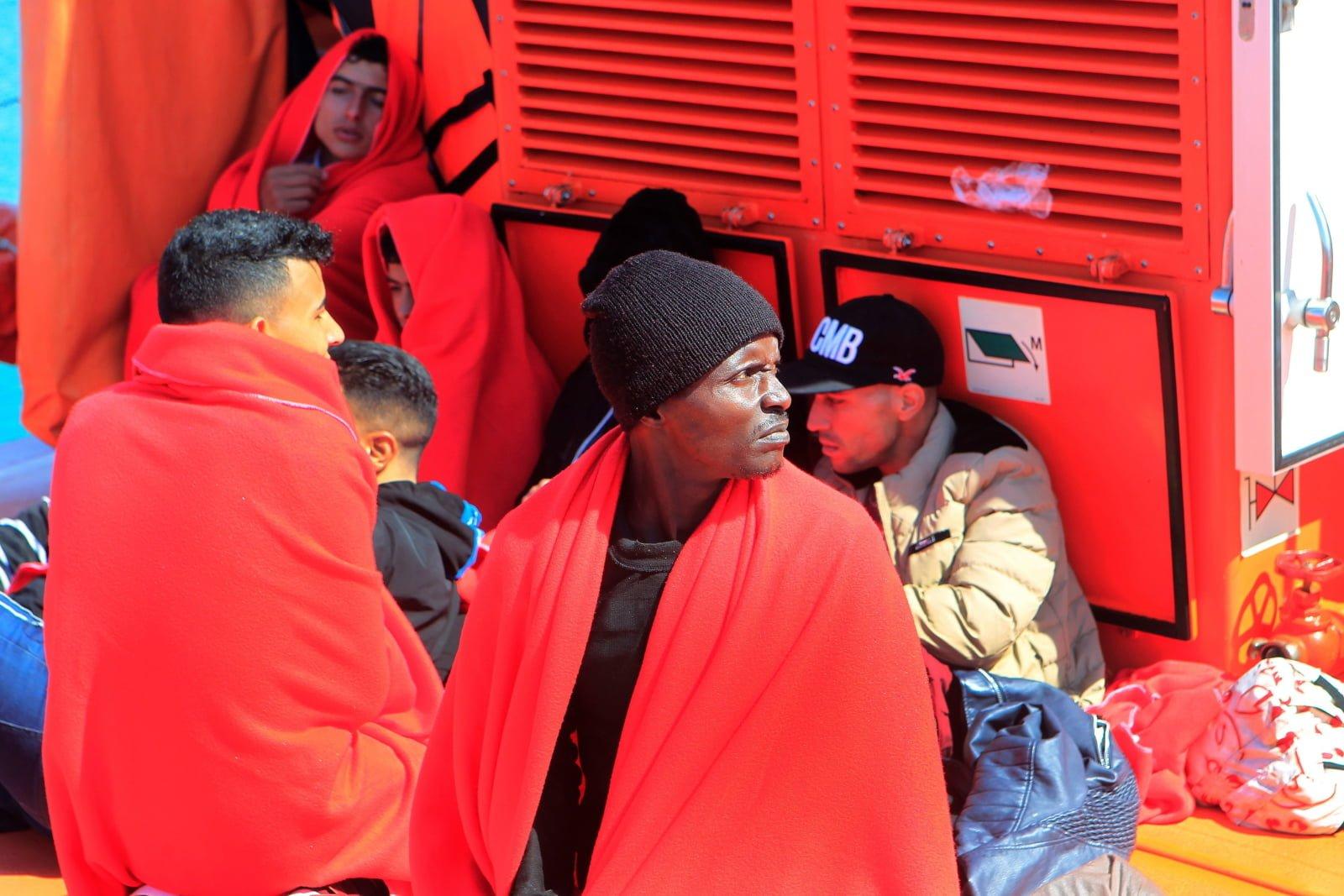 Migranci w Hiszpanii fot. EPA/A. CARRASCO RAGEL