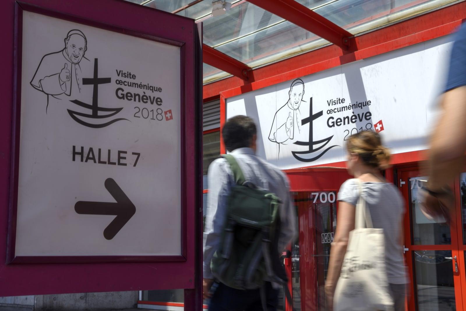 Szwajcaria w oczekiwaniu na papieża Franciszka  EPA/MARTIAL TREZZINI