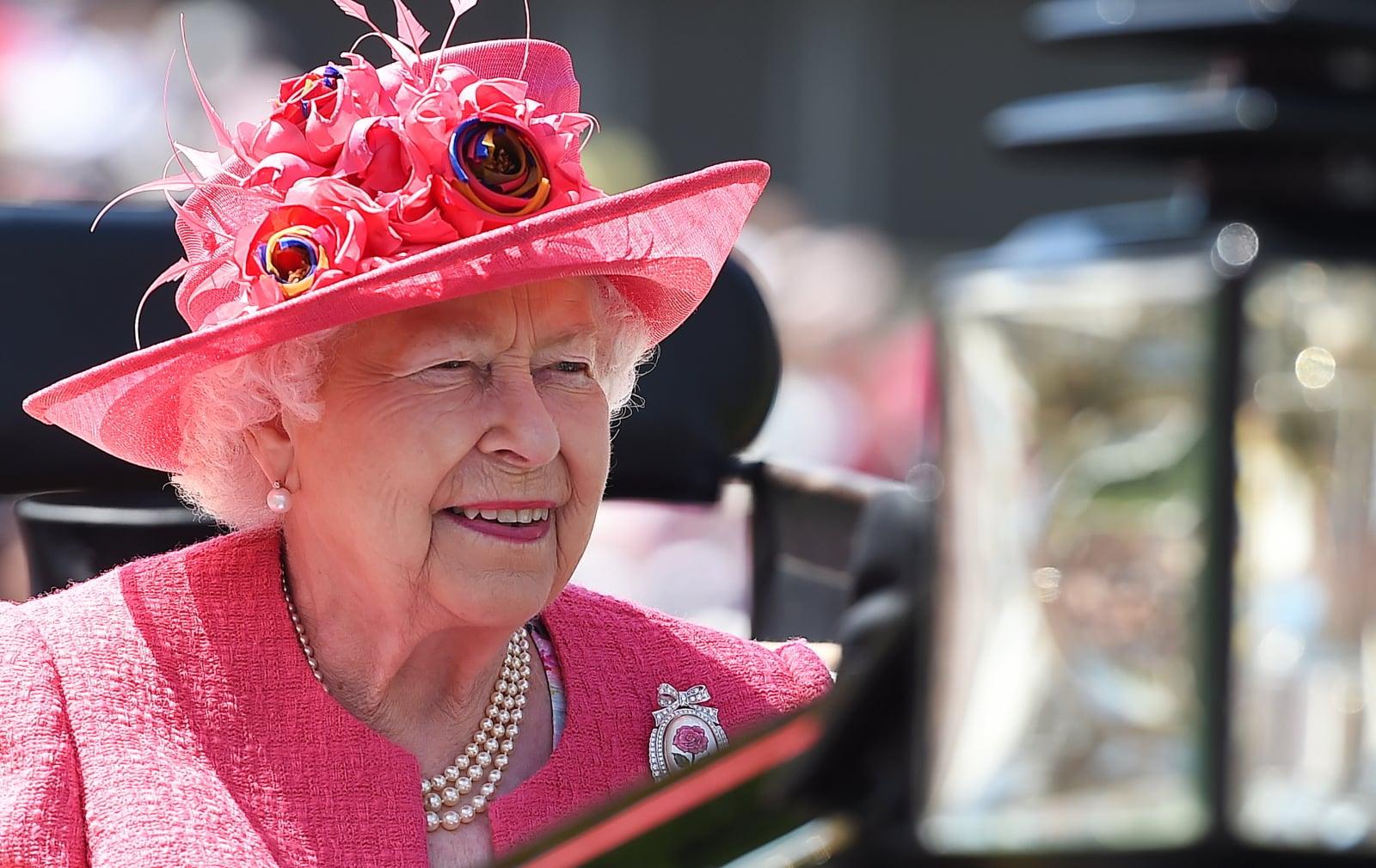 Królowa Elżbieta w dzisiejszej kreacji fot. EPA/ANDY RAIN  Dostawca: PAP/EPA.