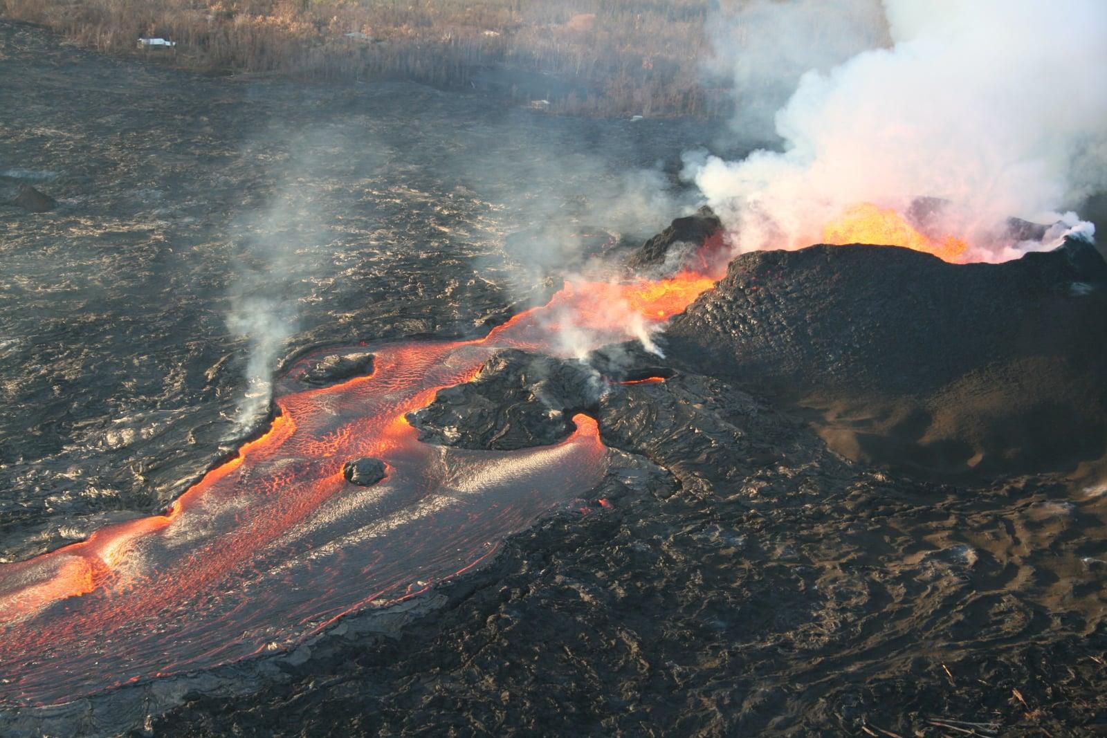 Erupcja wulkanu Kilauea na Hawajach fot. EPA/USGS