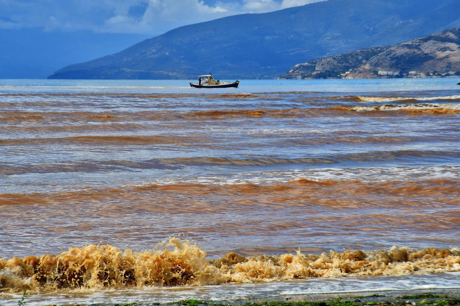 Skutki intensywnych opadów deszczu na Peloponezie, Grecja, fot. EPA/BOUGIOTIS VANGELIS