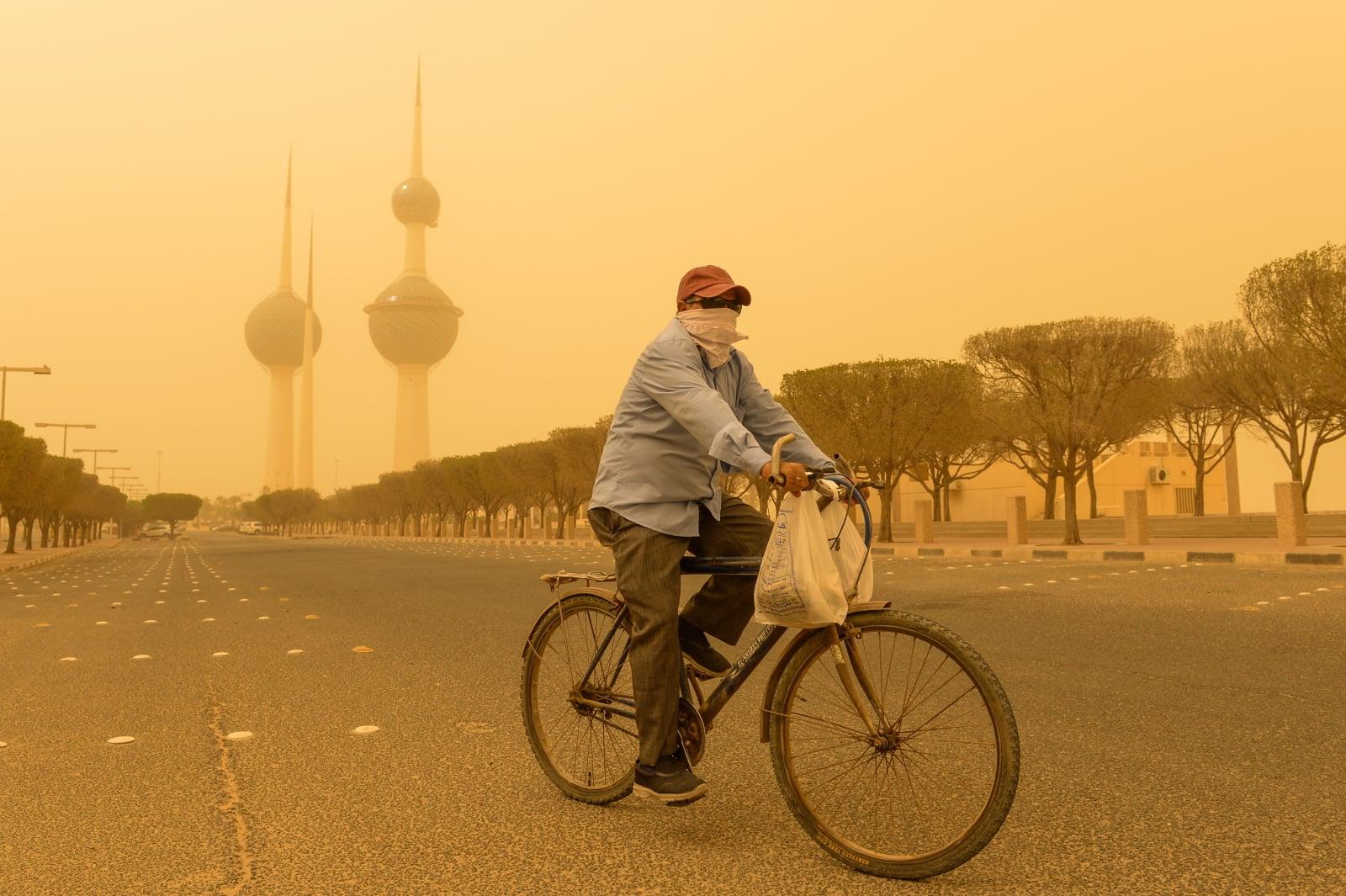 Ciężka burza piaskowa w Kuwejcie, fot. EPA/NOUFAL IBRAHIM